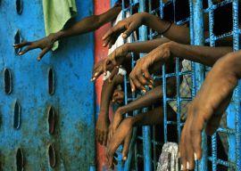 """""""De la reforma laboral a la reforma penal: todos a la cárcel"""" - texto de Adoración Guamán y Héctor Illueca publicado el 1 de mayo de 2013 en el blog Otras miradas Presos"""